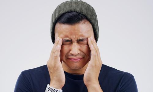 man-having-headache-aia-malaysia
